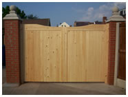 Caldew curved top gates